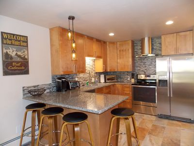 Brand New Remodel, 2 Bdrm, Steps from the Free Bus Or 15 Min Walk To Lionshead