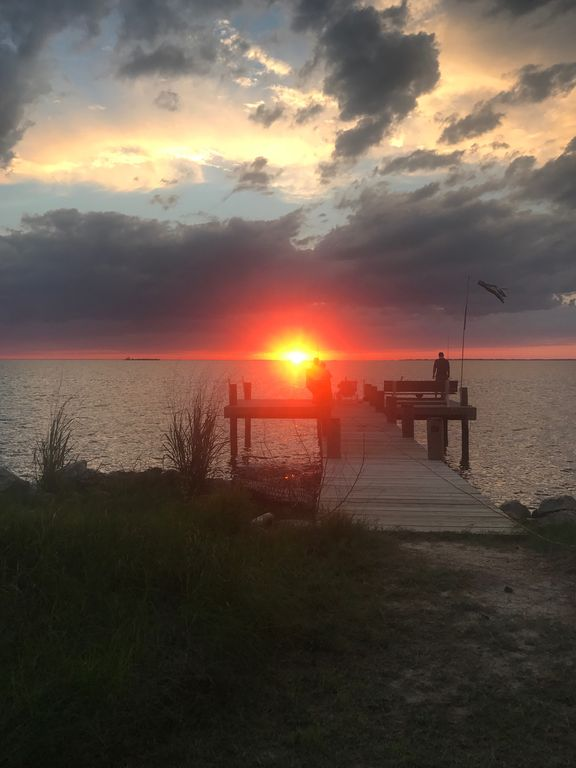 Relaxing Sunset and Water View Cottage