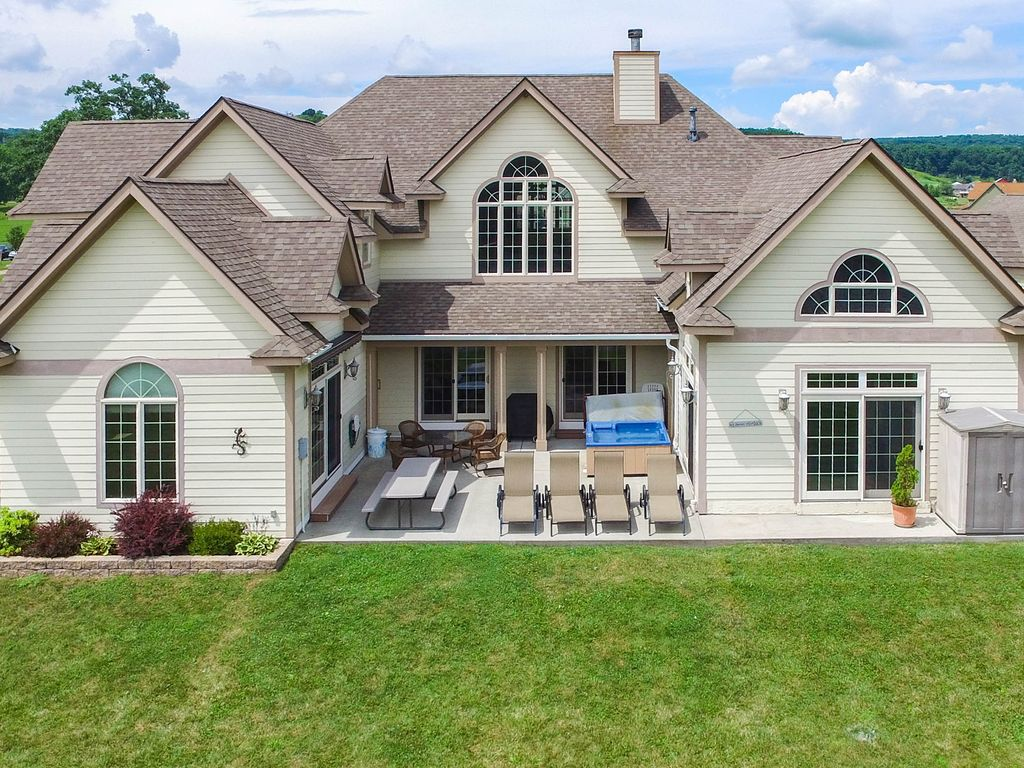 Spectacular Deep Creek Lake Front Home With Vrbo