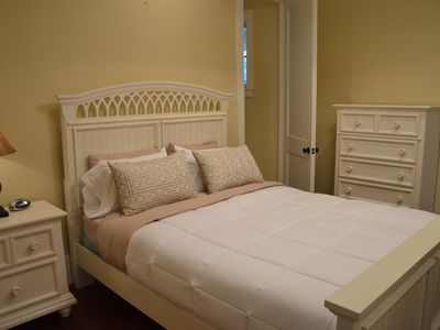 Isle of Palms house rental - Queen bedroom with private bath