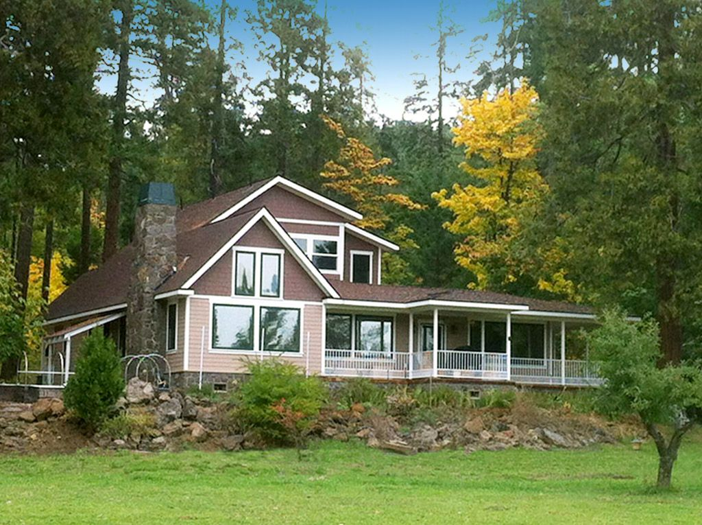 Meadow house near crater lake south entrance vrbo for Meadow house
