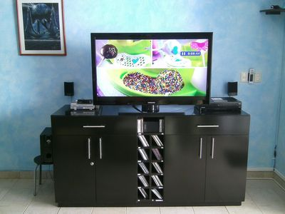 46' LCD satellite TV