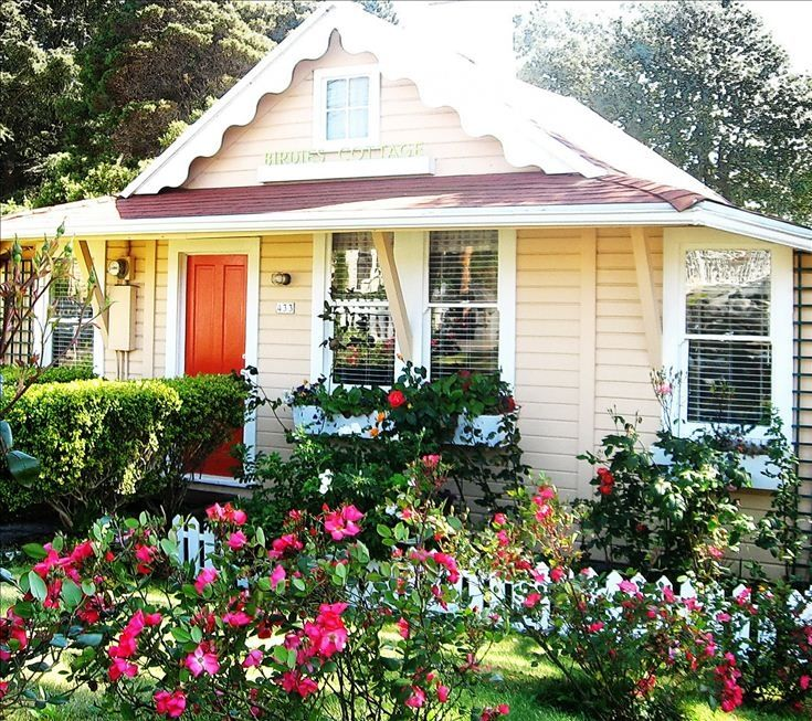 Back Houses For Rent: Historic Birdie's Cottage. Best! 1 Blk To...