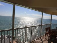 Oceanview pool home, 4 bed 3 bath, discounts Apr and May!!