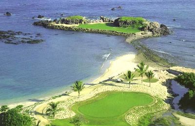 Famous Tail of the Whale Island Green of Jack Nicklaus' Signature Course