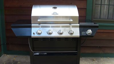 GrillMaster 4 Burner Gas Barbecue - With Side Burner