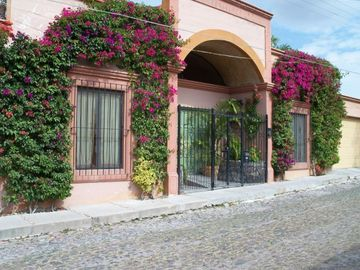 San Miguel de Allende house rental - Outside entrance with handicapped ramp