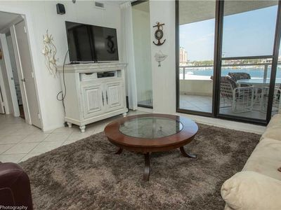 East Pass Towers 305: 2 BR / 2 BA condo in Destin, Sleeps 6