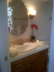 Honokowai condo rental - The spa like bathroom awaits you.