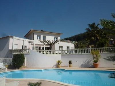 Carqueiranne. Villa with private pool, 5 bedrooms near the beach