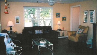 Living area with Sitting Room Seats 14 total