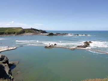 Bude Sea Pool - perfect at all tides and weather