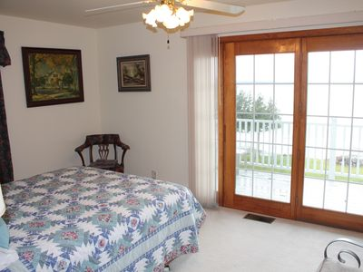 Burt Lake house rental - Bedroom