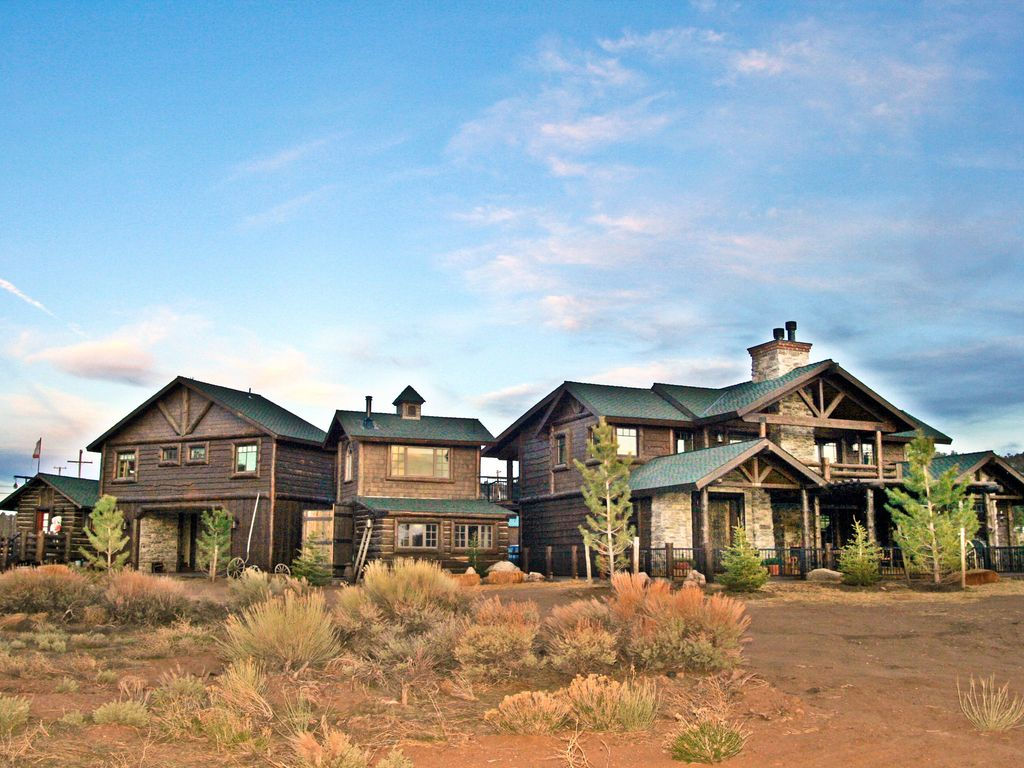 16 acre private luxury ranch vrbo - What is a ranch house ...