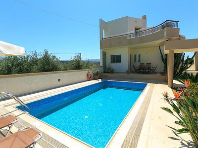 Delightful and stylish villa with 4 bedrooms + private pool