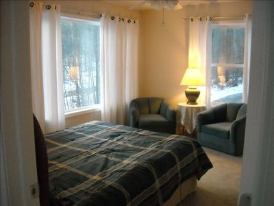 Upstairs Bedroom, Queen Bed, Sitting Area, Scenic View