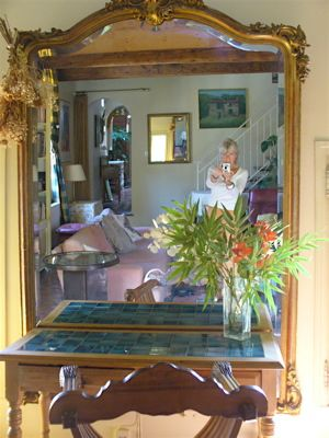 Livingroom, 'shooting' mirror