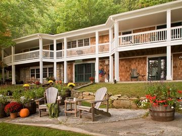 Glenville house rental - Luxury Lakefront Lodge