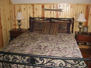 Moorefield cabin photo - Thirdfloor Bedrm-Oasis for the Romantic Couple