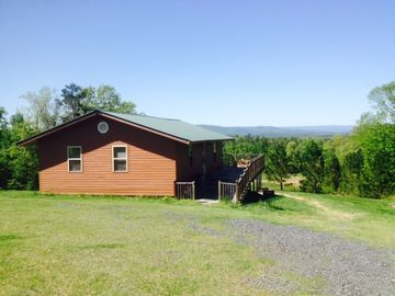 Mena cabin rental - Luxury cabin with beautiful view of Ouachita Mountains