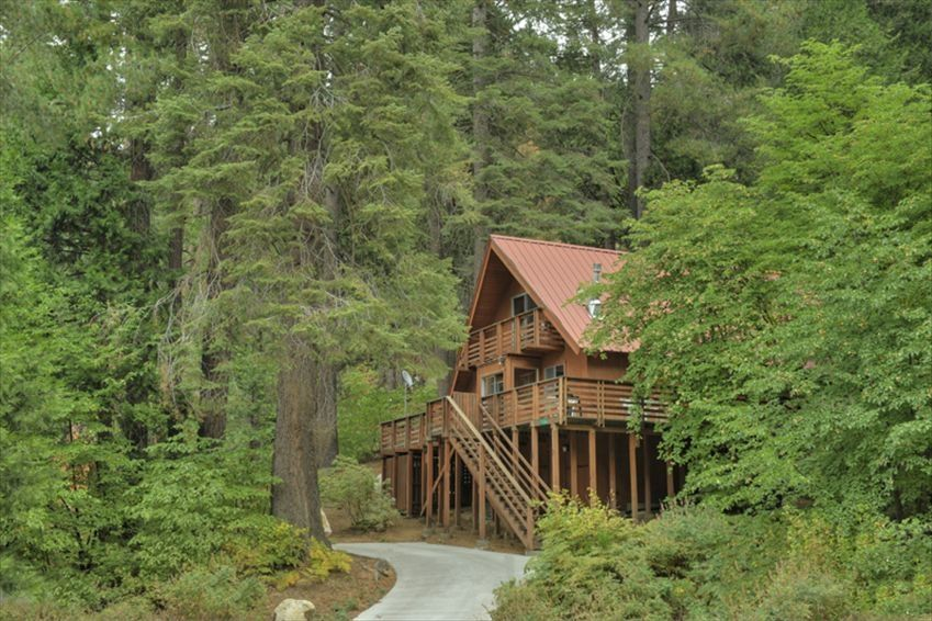 Vrbo yosemite national park vacation rentals for Yosemite national park cabin rentals