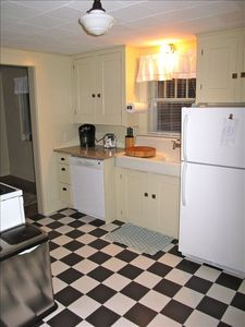 Simple 1920's kitchen with all the amenities of home!