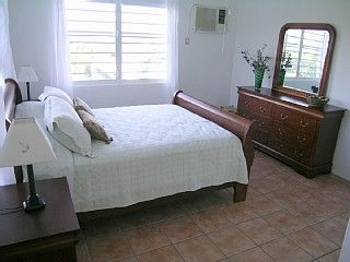 Vieques Island villa photo - Middle bedroom with queen bed and bathrrom