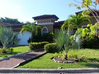 Paradise Found - Your Own Tropical Oasis 300 Meters from Beach