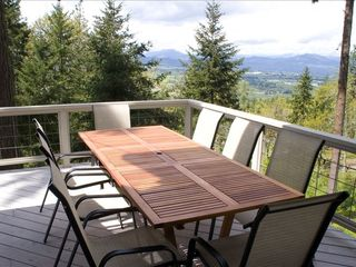 "Hood River house photo - Dining ""al fresco"""