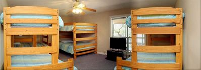 Bunk Room With 4 Bunkbeds & Large TV,  DVD Player