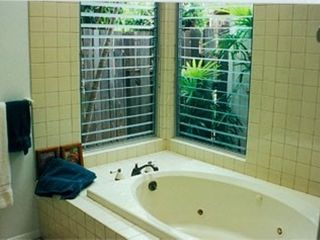 Lahaina house photo - .