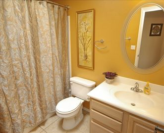 Guest Bathroom for split bedrooms plan