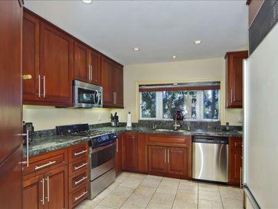 La Jolla house rental - Fully stocked kitchen.