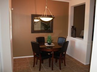 Scottsdale North condo photo - Bright dining area.