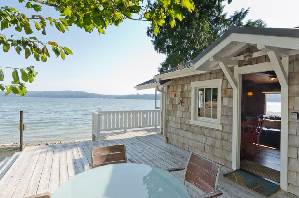 Hood Canal, 1930's Beach Cottage, 315' of - VRBO