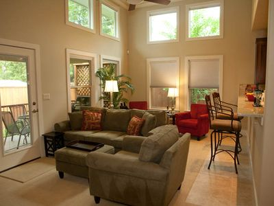 Austin house rental - Artfully designed family rm w 52' HiDef TV/DVD, desk nook-open to covered patio