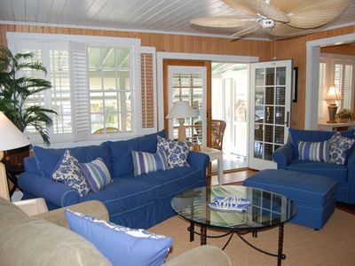 Wrightsville Beach cottage rental - Living room