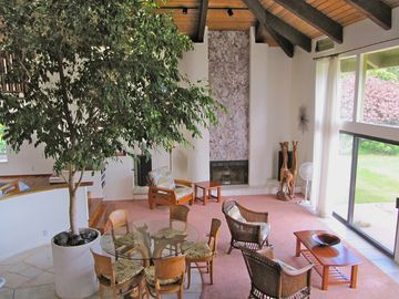 Huelo CHATEAU_/_COUNTRY_HOUSE Rental Picture