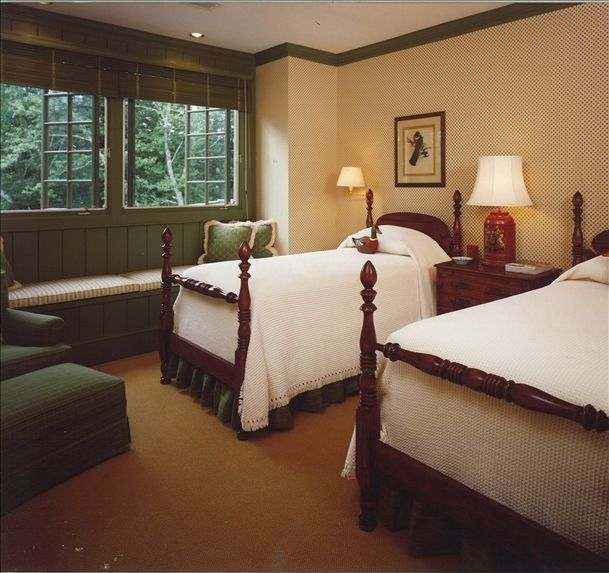 Upstairs twin bedroom with private bath