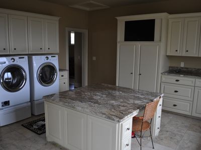 Austin estate rental - Laundry