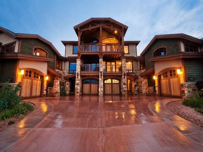 Luxury town home within walking distance to the Waldorf Gondola at Canyons
