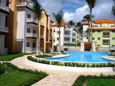 Punta Cana condo rental - pool 2/2