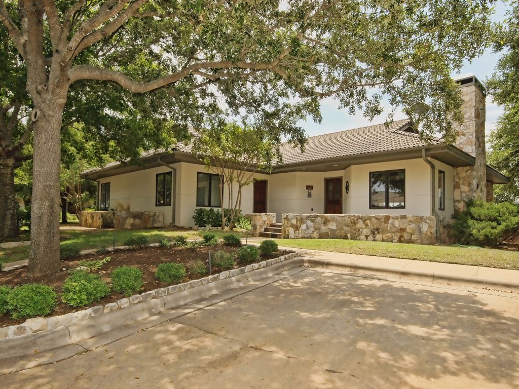 Texas Hill Country Cottage In Country Club Vrbo