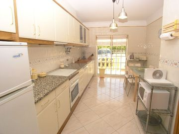 Fully fitted kitchen / breakfast room