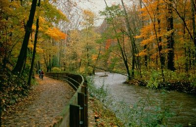 Cleveland farmhouse rental - Cuyahoga & Erie Canal Towpath Trail photo by Tom Jones