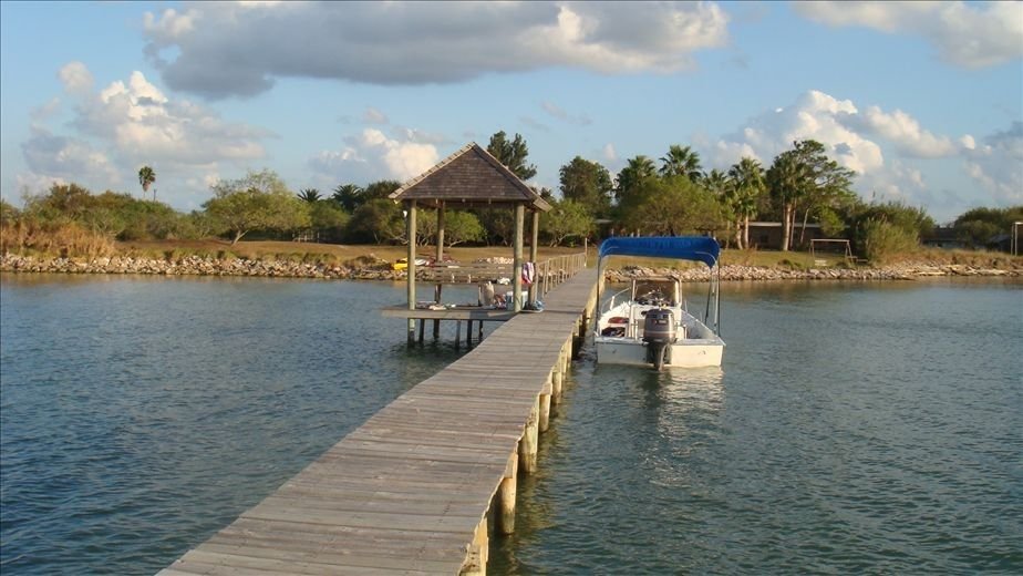 Copano bay home on 5 acres with 300 ft vrbo for Copano bay fishing