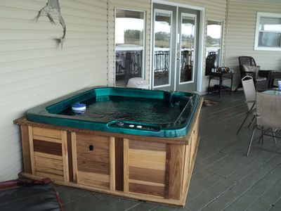 4 Person Hot Tub