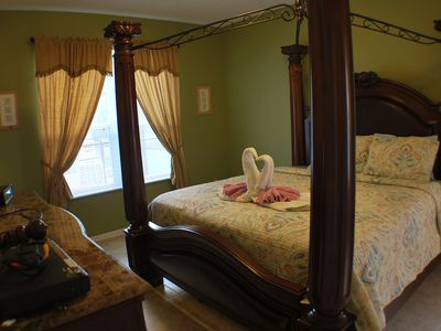 King Master Suite downstair