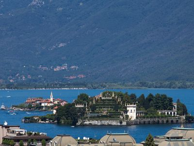 Apartment in Stresa, superb view Lake Maggiore, WiFi, A/C,garden, balcony,garage - Fiorella