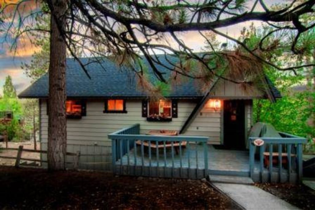 Chipmunk Lodge 5 Br 3 Ba Lake View Walk Vrbo
